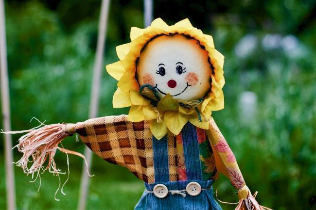 Scarecrow (stock photo)