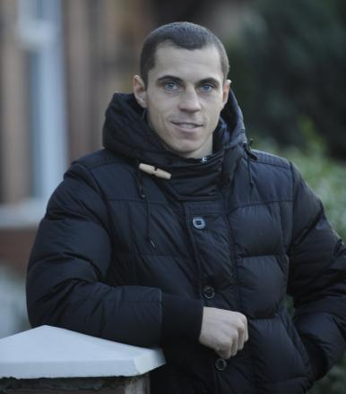 Bury boxing champion Scott Quigg is praised by trainer Joe Gallagher