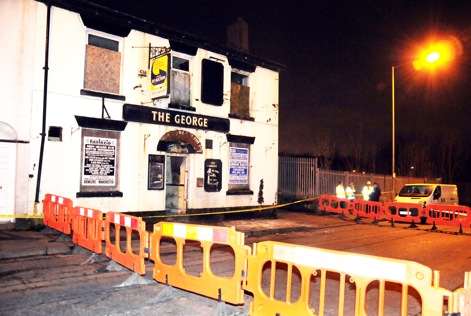 UPDATE: Cross Lane in Radcliffe remains closed after George pub roof collapses