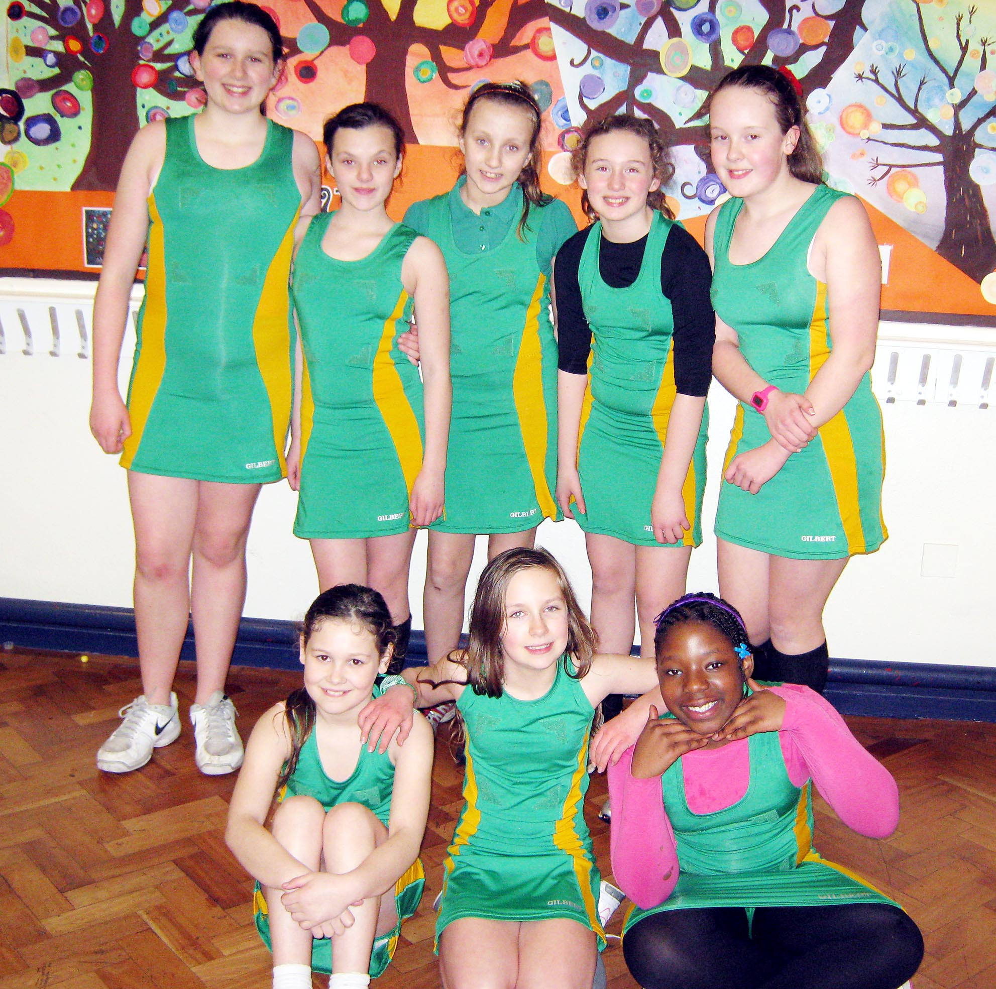 RALLY TO WIN Back: Caitlin Sharkey, Megan Dott, Grace Lee, Niamh Raftery, Emily Kelly; Front: Macey Rushton, Olivia Stanway, Jayda Yeboah