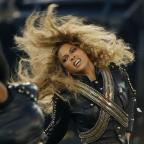 Bury Times: Beyonce almost fell on stage at the Super Bowl - but recovered flawlessly