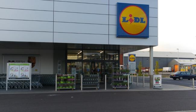 Superb Thieves Steal Cash Box From Security Guard At Lidl Supermarket Wiring Cloud Usnesfoxcilixyz