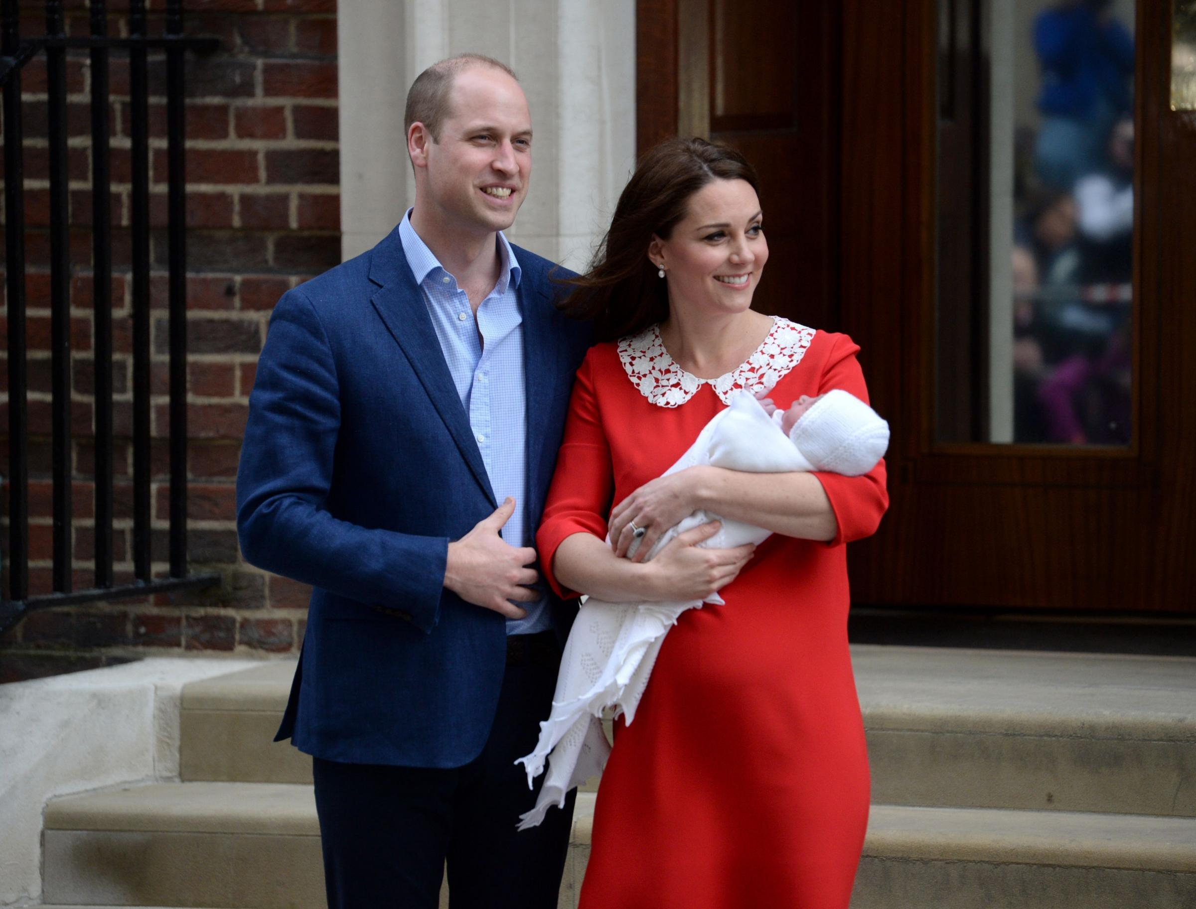 The Duke and Duchess of Cambridge and their newborn son outside the Lindo Wing at St Mary's Hospital in Paddington, London. PRESS ASSOCIATION Photo.