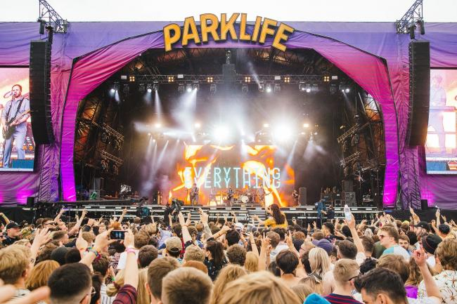 FESTIVAL: Crowds entertained at Parklife 2018 Photo Credit: Andrew Whitton / Fanatic 2018